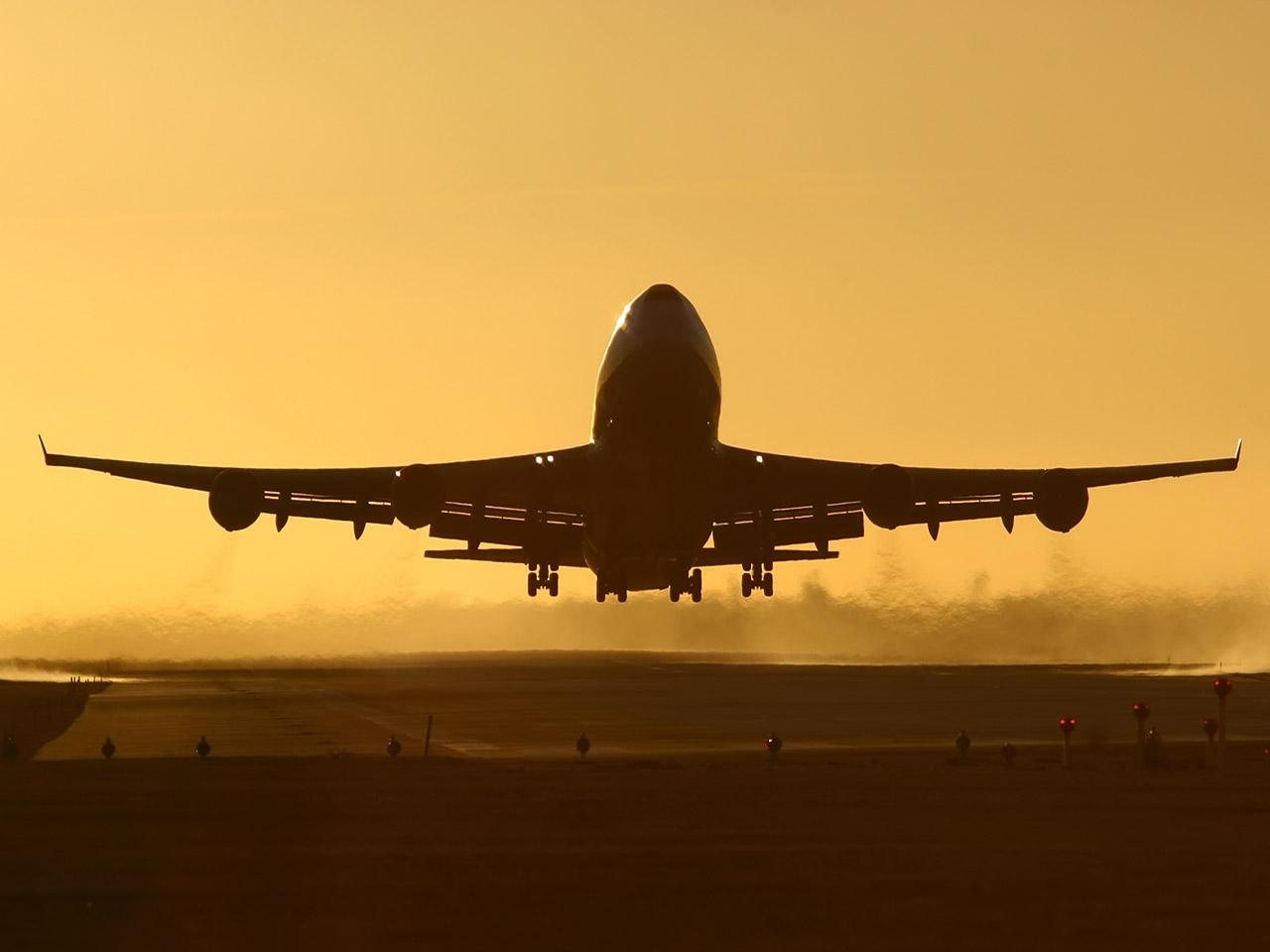 Airplane Take Off Wallpaper Take Off Airplane Flight Land 1280x960