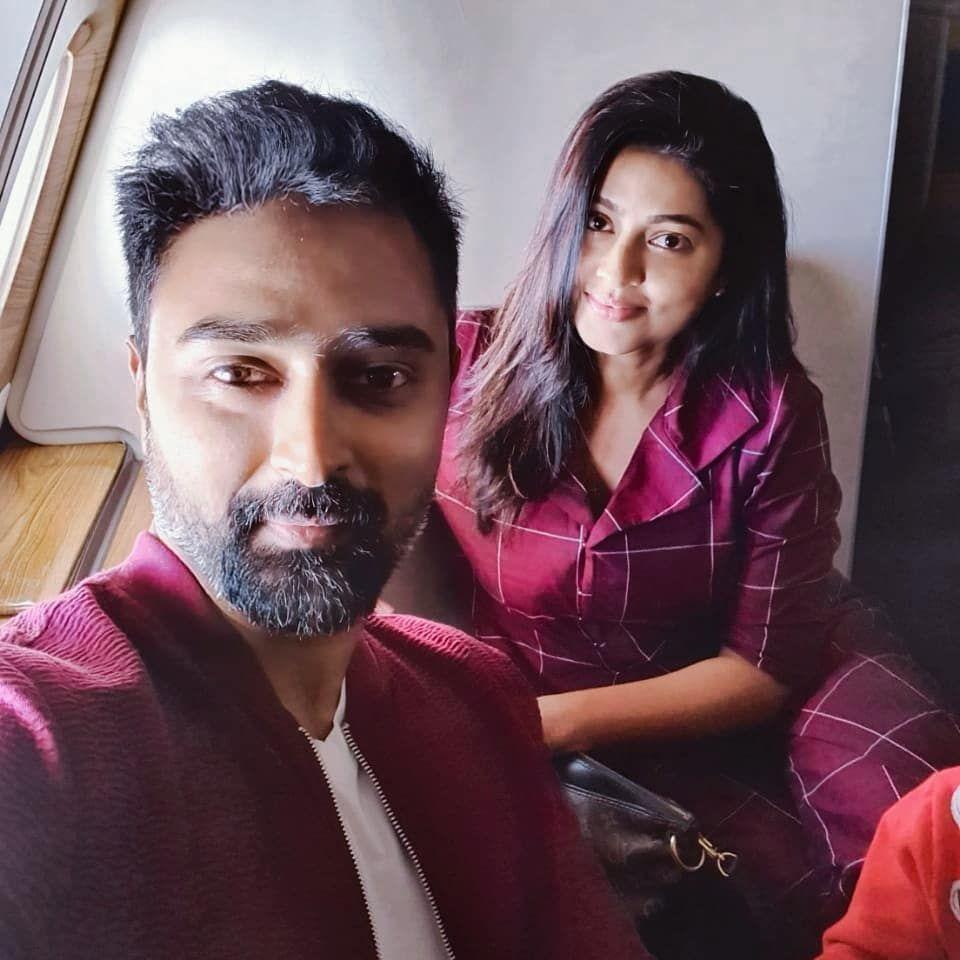 Actor Prasanna and Actress Sneha during their vacation 960x960