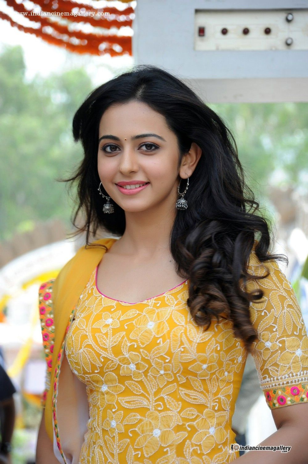 Rakul Preet Singh Fantastic Images HD Wallpapers prashant in 999x1502