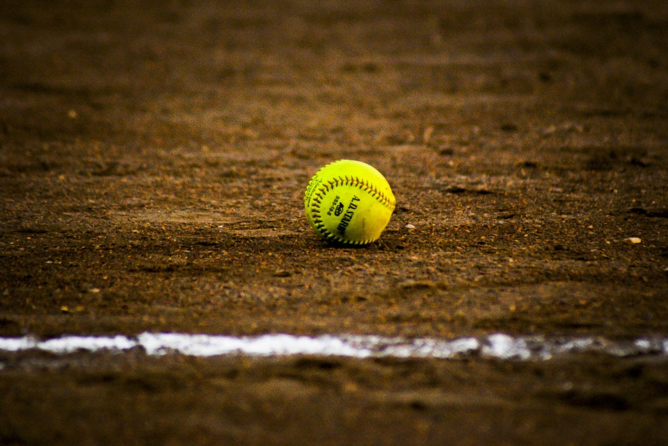 Softball Photography download HD photo at digitalimagemakerworld 960x642