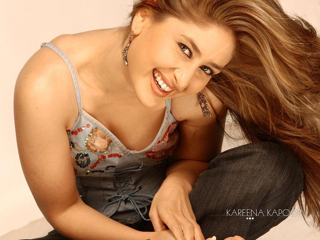 Hot Bollywood Actress Kareena Wallpapers HD Wallpapers 1024x768