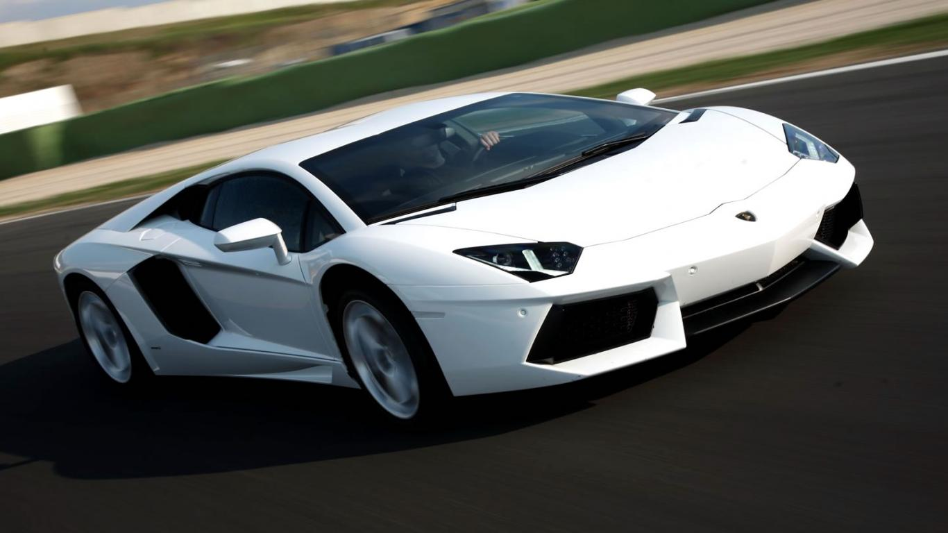 White Lamborghini Wallpapers 1366x768