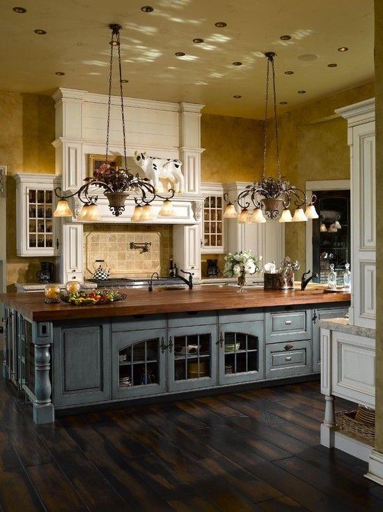 Built in bookshelf interior wallpaper Chandelier Hardwood floors 550x734