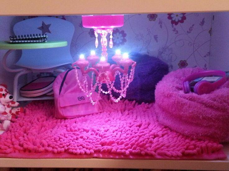 with magnetic locker chandelier locker rug contact paper wallpaper 736x552
