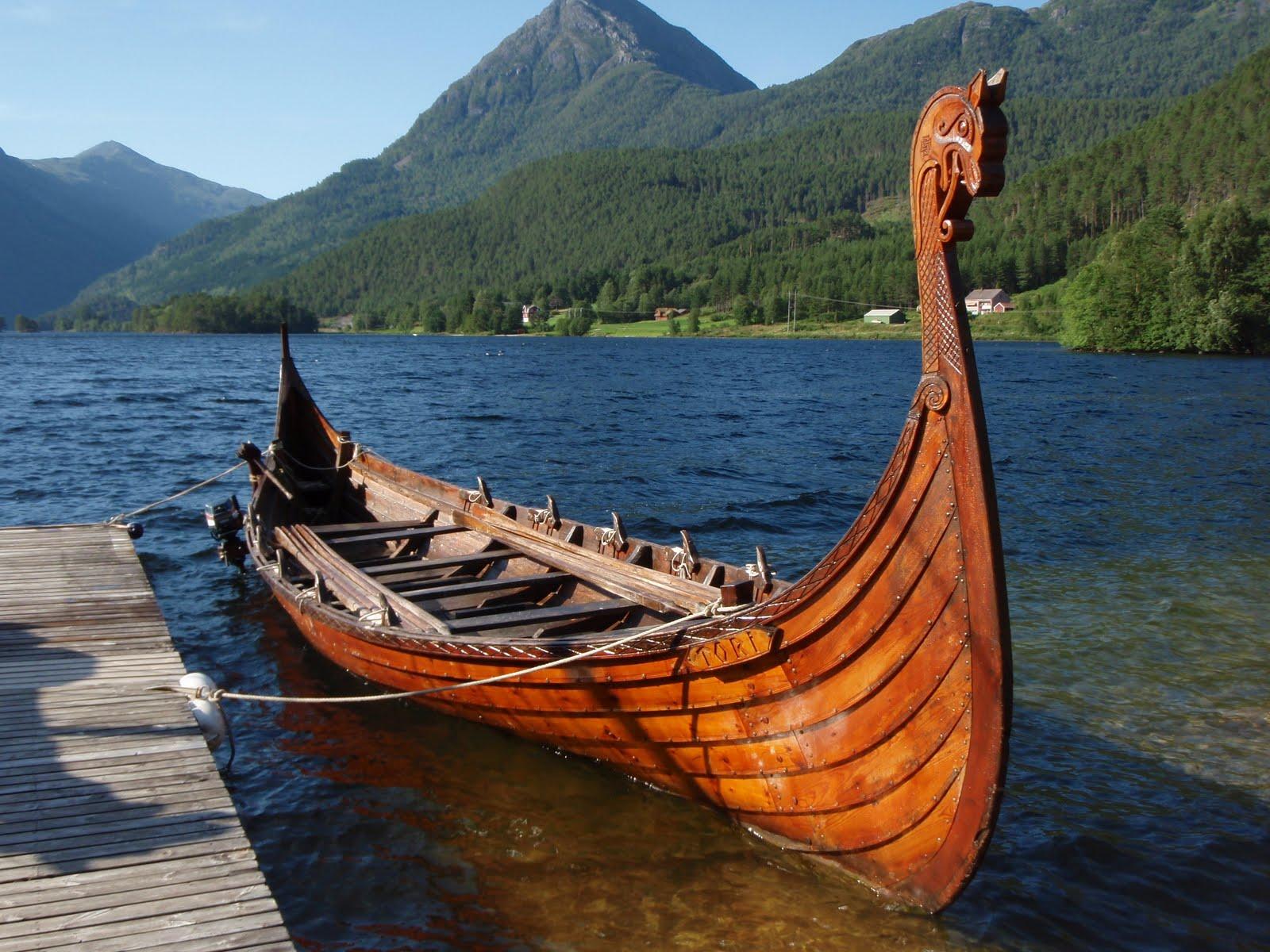 Auld Rasmie Viking Boats 1600x1200