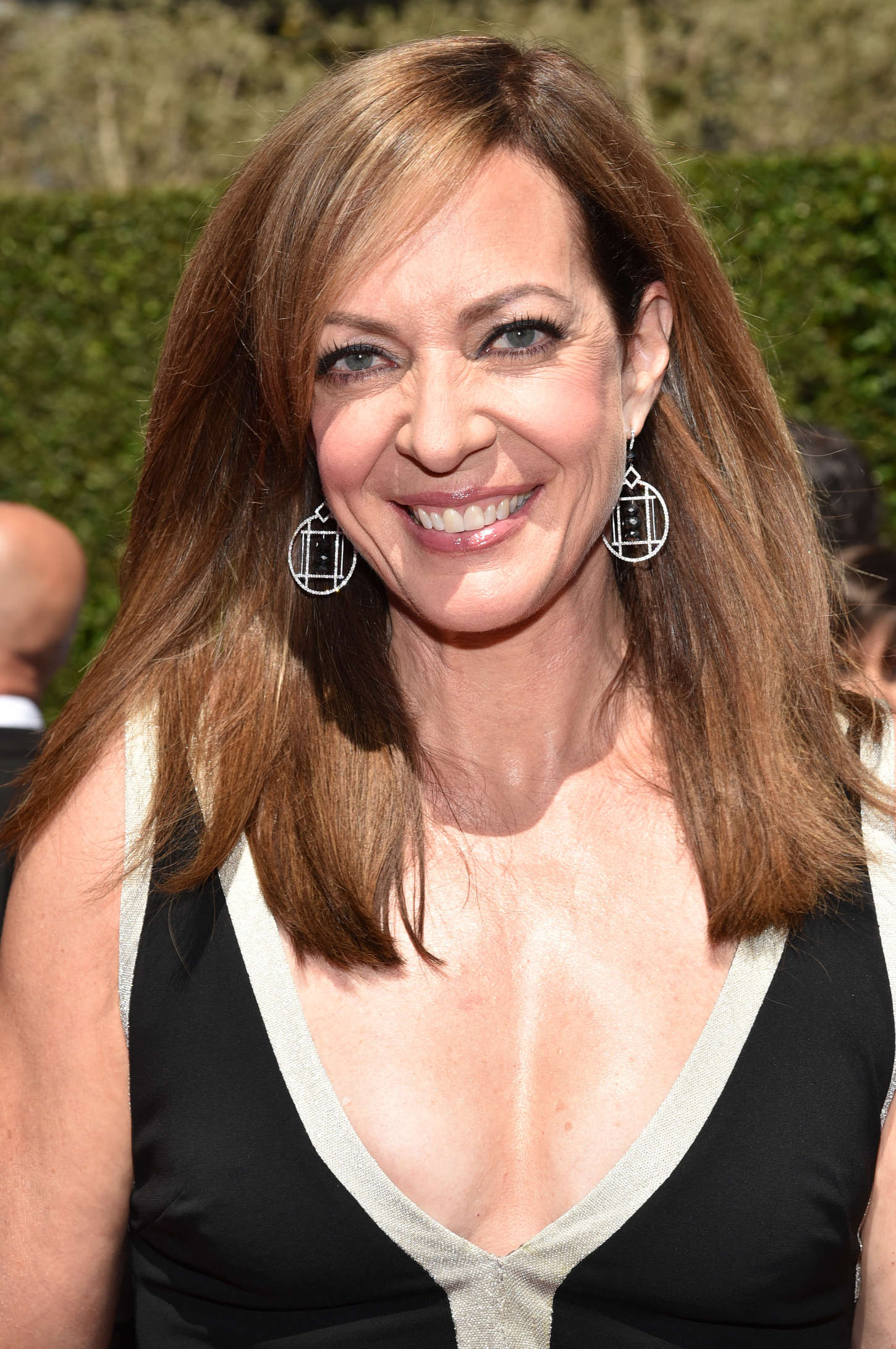 Allison Janney   Creative Arts Emmy Awards 2014 1450x2182