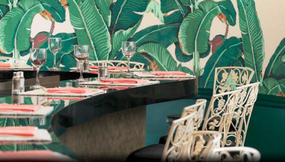 1940s banana leaf wallpaper in Beverly Hills Hotel 570x325