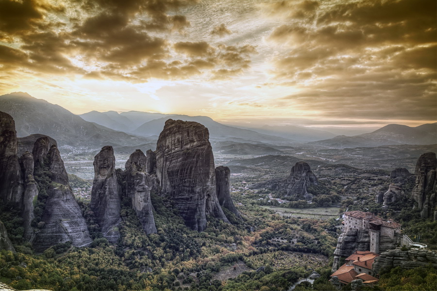 Holidays in Meteora Monastic eyries Discover Greece 1800x1200
