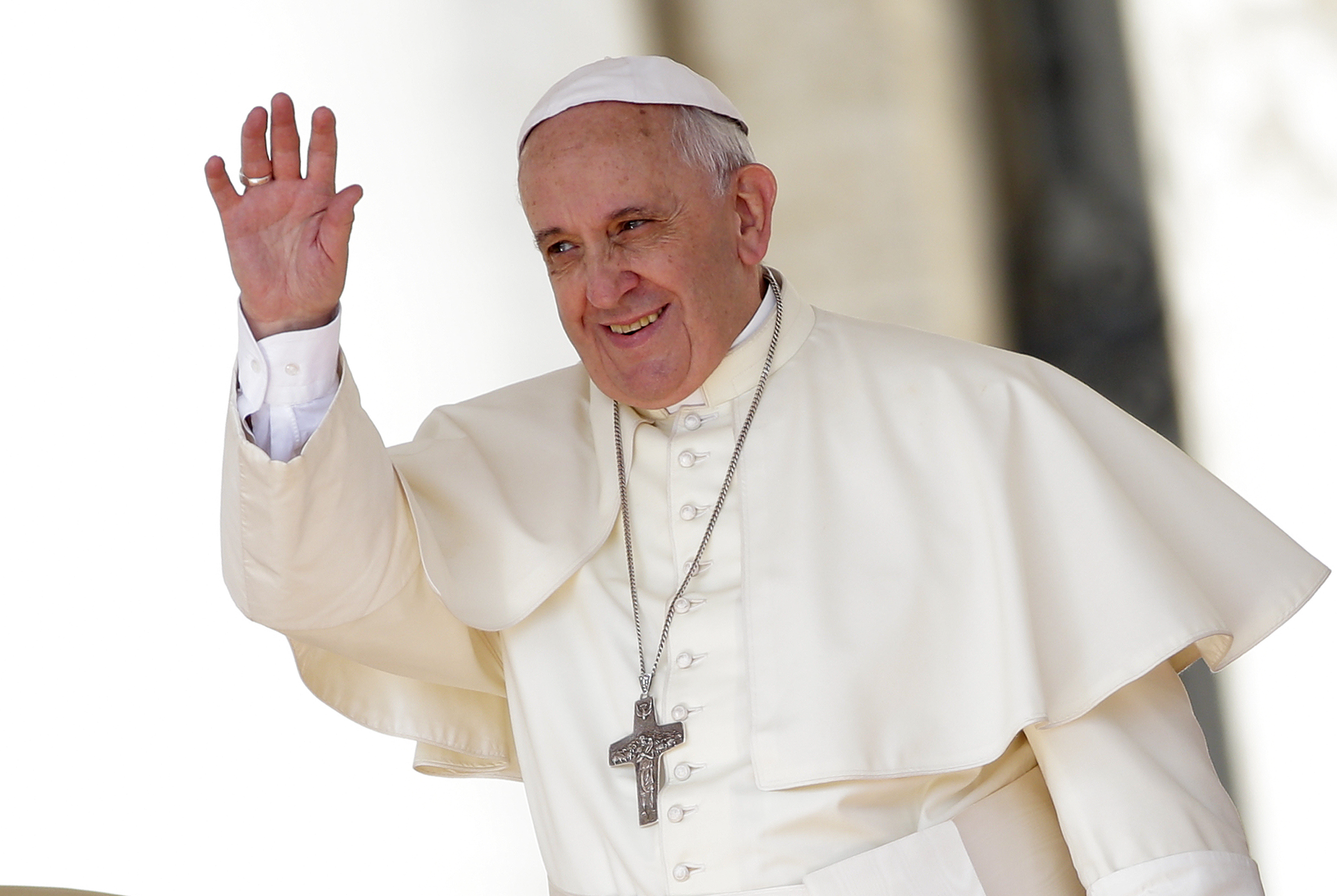 Pope Francis waves as he leads his weekly audience in Saint 3500x2347