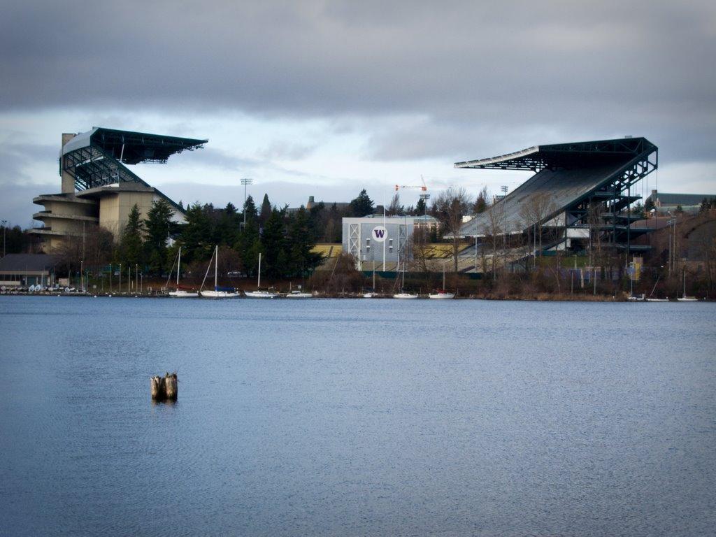 Panoramio   Photo of Husky Stadium at the University of Washington 1024x768