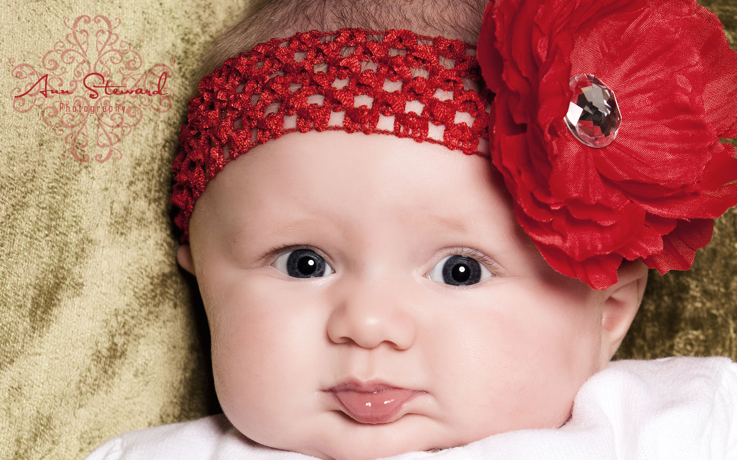 Super Cute Little Baby Wallpapers HD Wallpapers 2560x1600