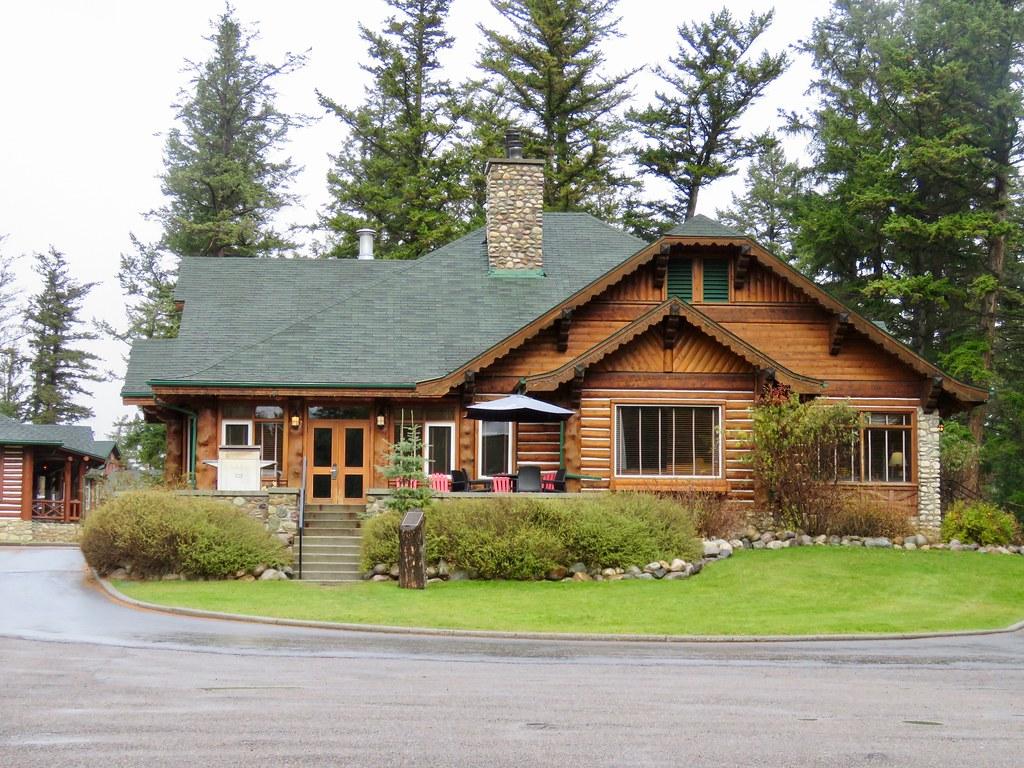 Jasper Park Lodge 3   Outlook Cabin where Elizabeth Phi Flickr 1024x768