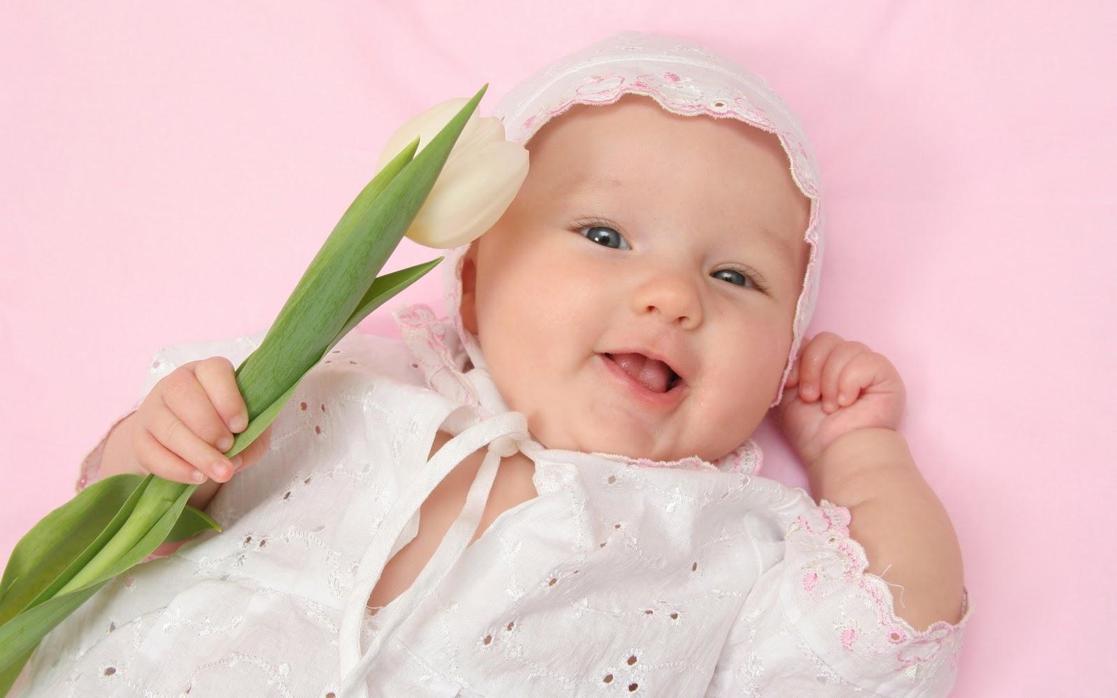 Mooie baby achtergronden leuke hd baby wallpapers afbeeldingen foto 1 1600x1000