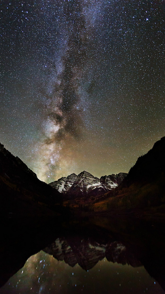 Milky Way and Maroon Bells 640x1136