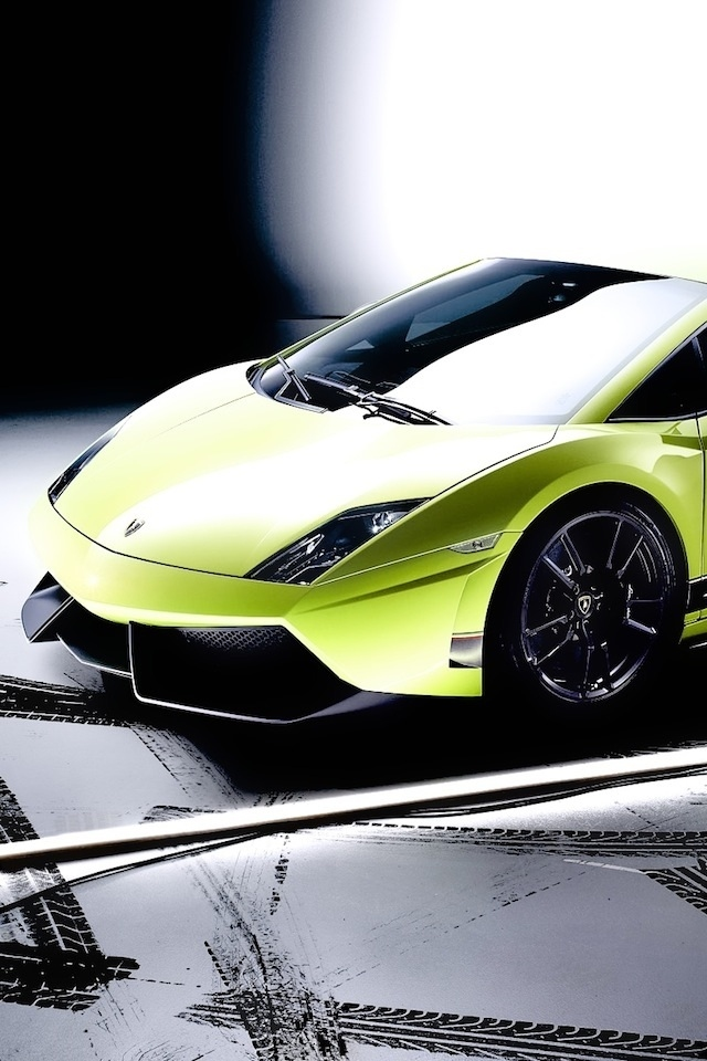 640x960 Car On Road Iphone 4 Wallpapers Free 640x960 Hd Cellphone Wallpapers