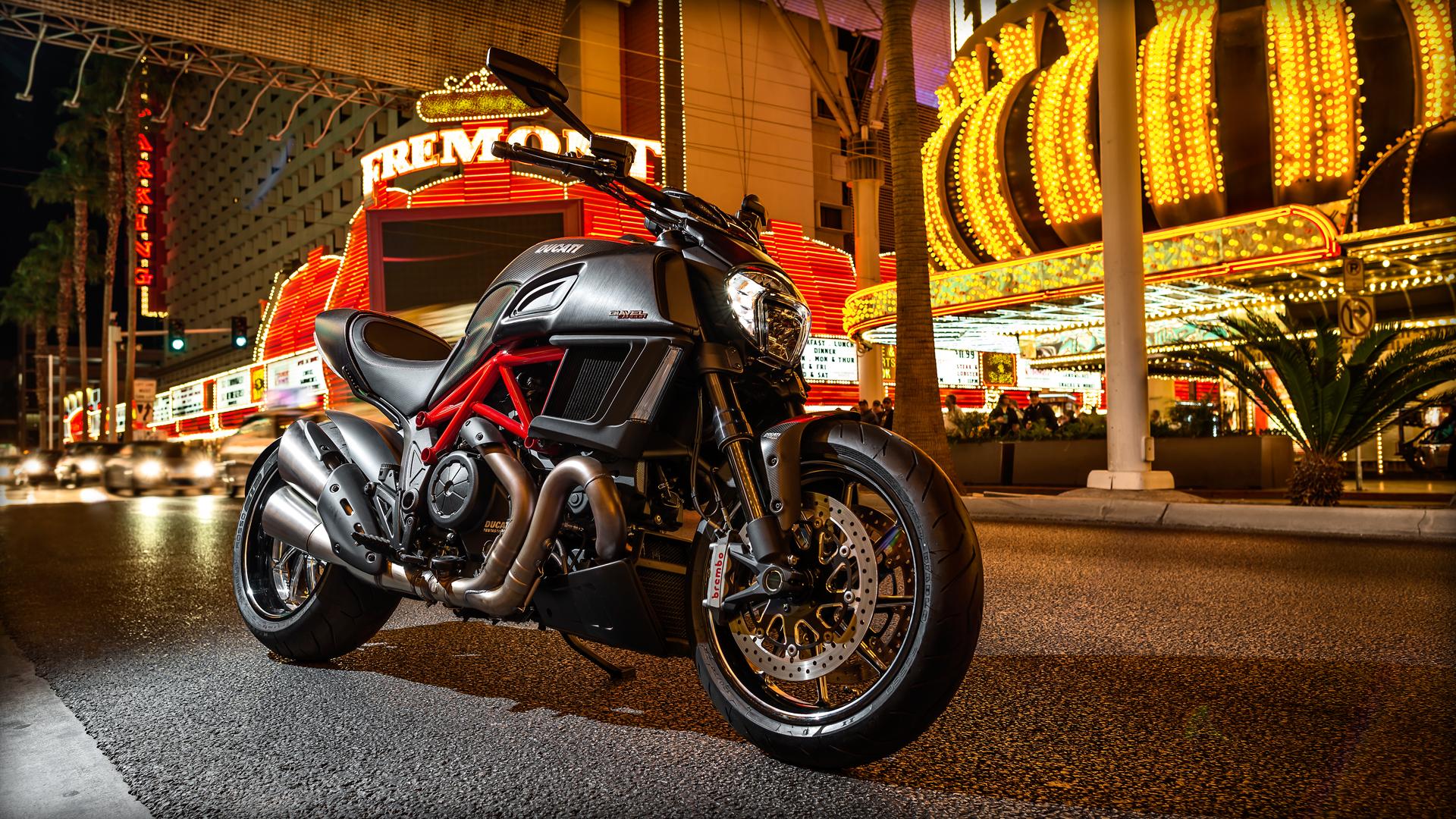2015 Ducati Diavel Carbon   wallpaper 1920x1080