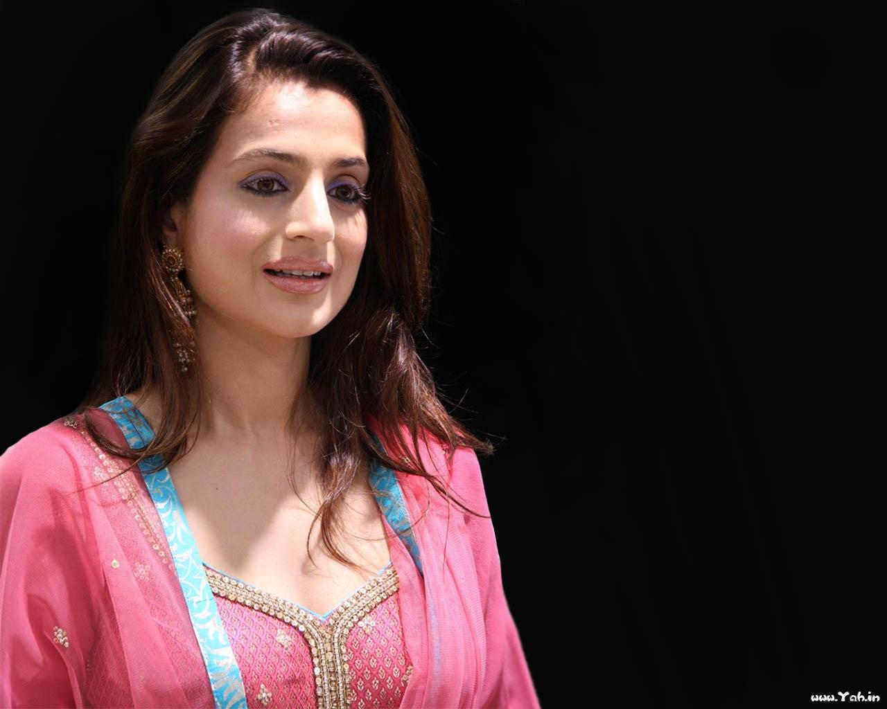 Patel Bollywood Actress Wallpapers SantaBanta Hungama Wallpapers 1280x1024