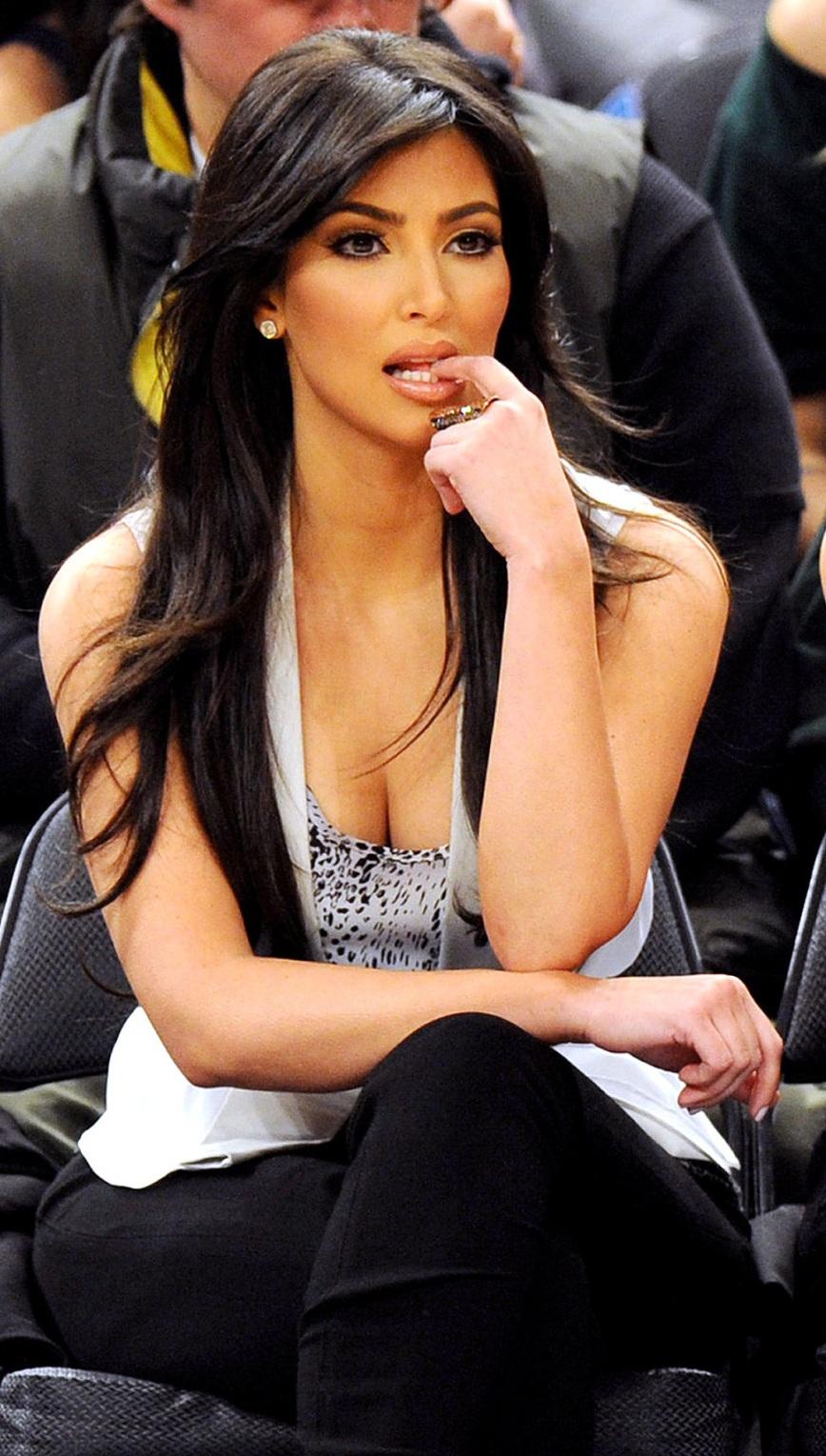 Kim Kardashian Pictures 868x1529