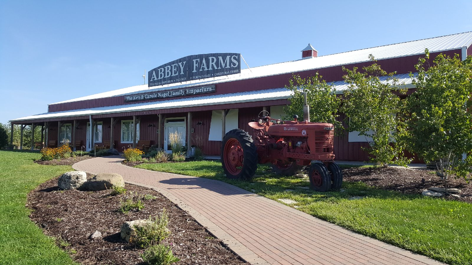 Grow Family Memories at Abbey Farms in Aurora Illinois 1600x900