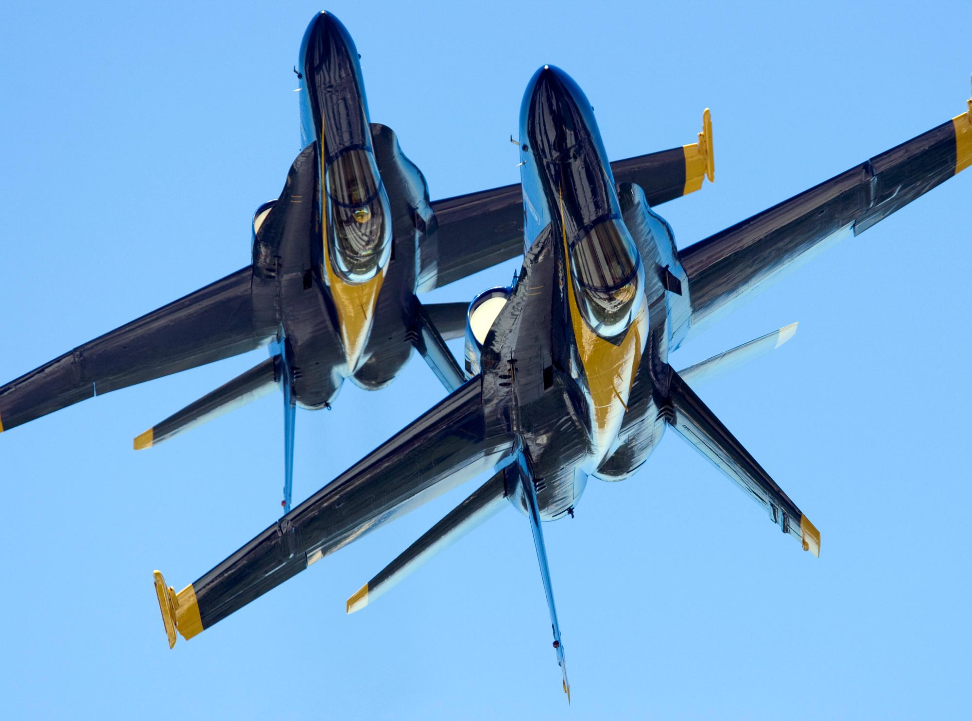 Blue angels 2000x1485