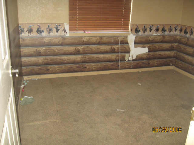 log cabin wallpaper cowboys bedroom tacky bad MLS photos Phoenix ugly 640x480
