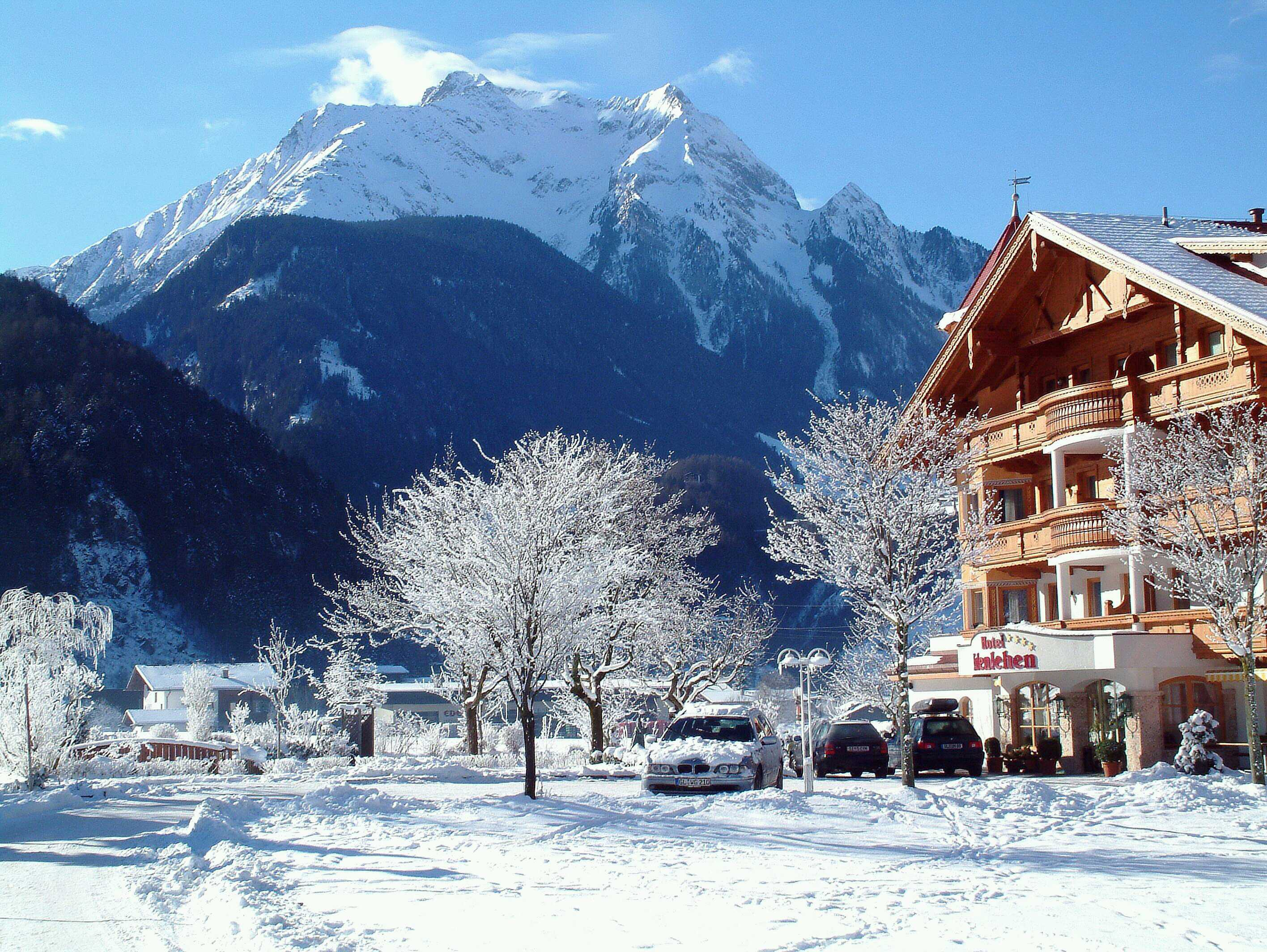 ski resort of Mayrhofen Austria wallpapers and images   wallpapers 2832x2128