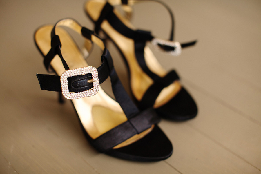 Tips On Choosing Wedding Shoes For Outdoor Wedding Wallpaper 900x600