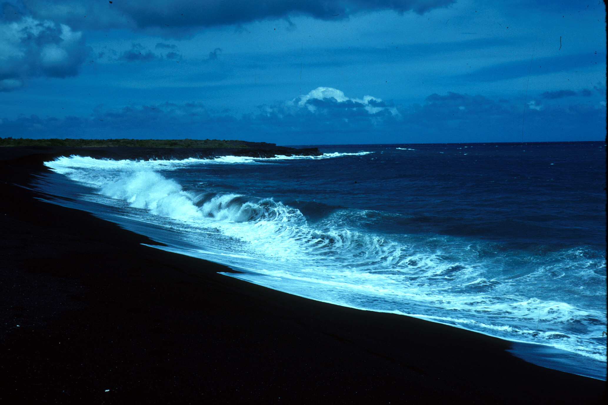 Black Sand Beach Wallpaper Wallpapersafari Wallpapers Images Pictures 2067x1377