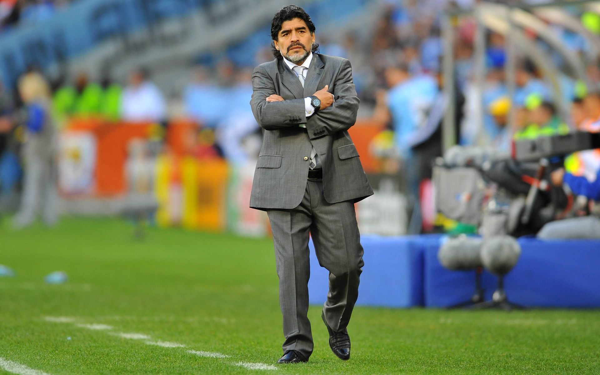 Diego Maradona wallpaper 2 images pictures download 1920x1200