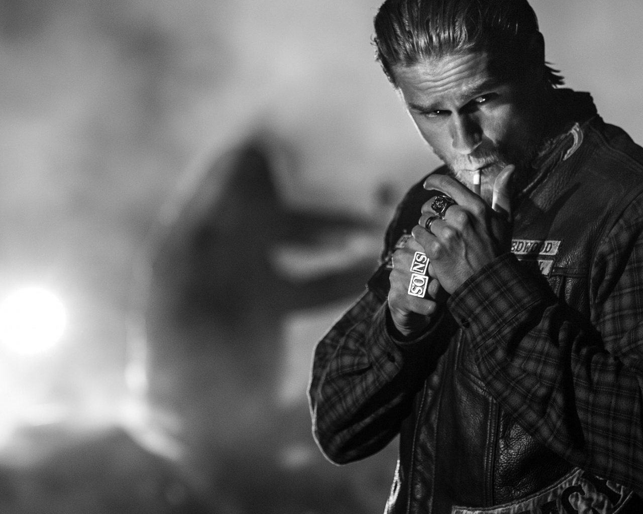 1280x1024 Sons of Anarchy Charlie Hunnam desktop PC and Mac wallpaper 1280x1024
