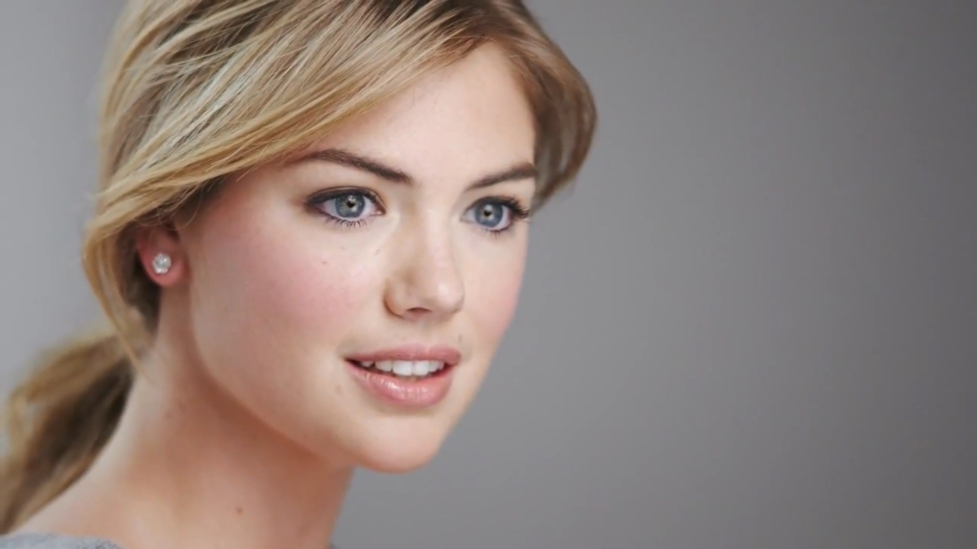 Kate Upton Wallpaper HD Widescreen - WallpaperSafari