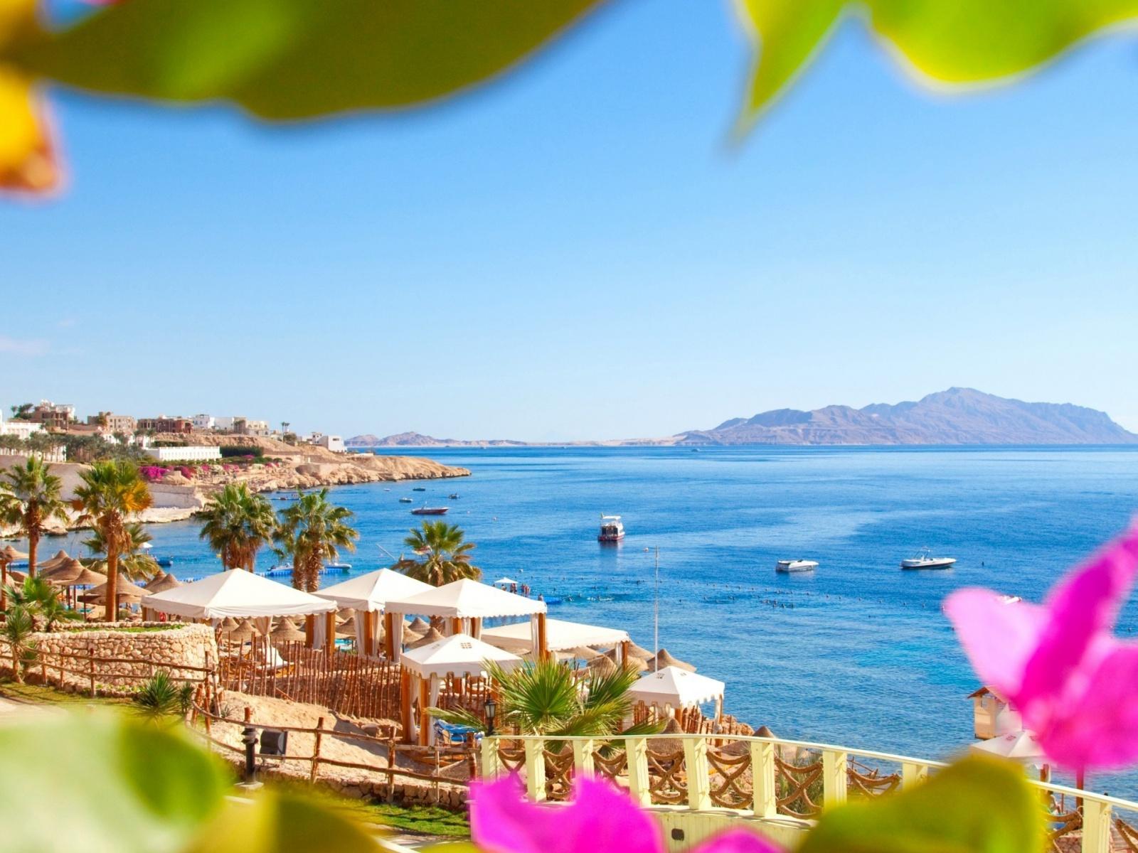 1600x1200 Egypt Beach Resort desktop PC and Mac wallpaper 1600x1200