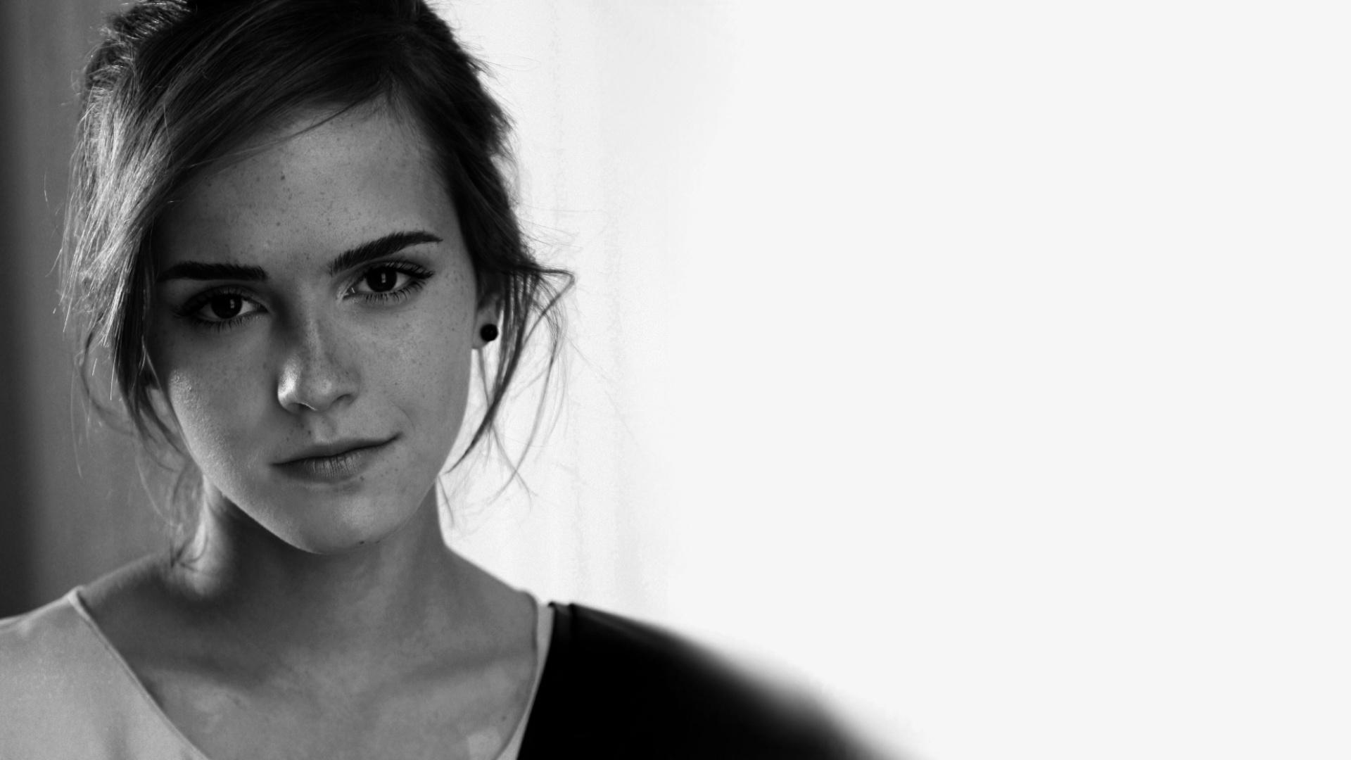 48 Emma Watson Iphone Wallpaper On Wallpapersafari