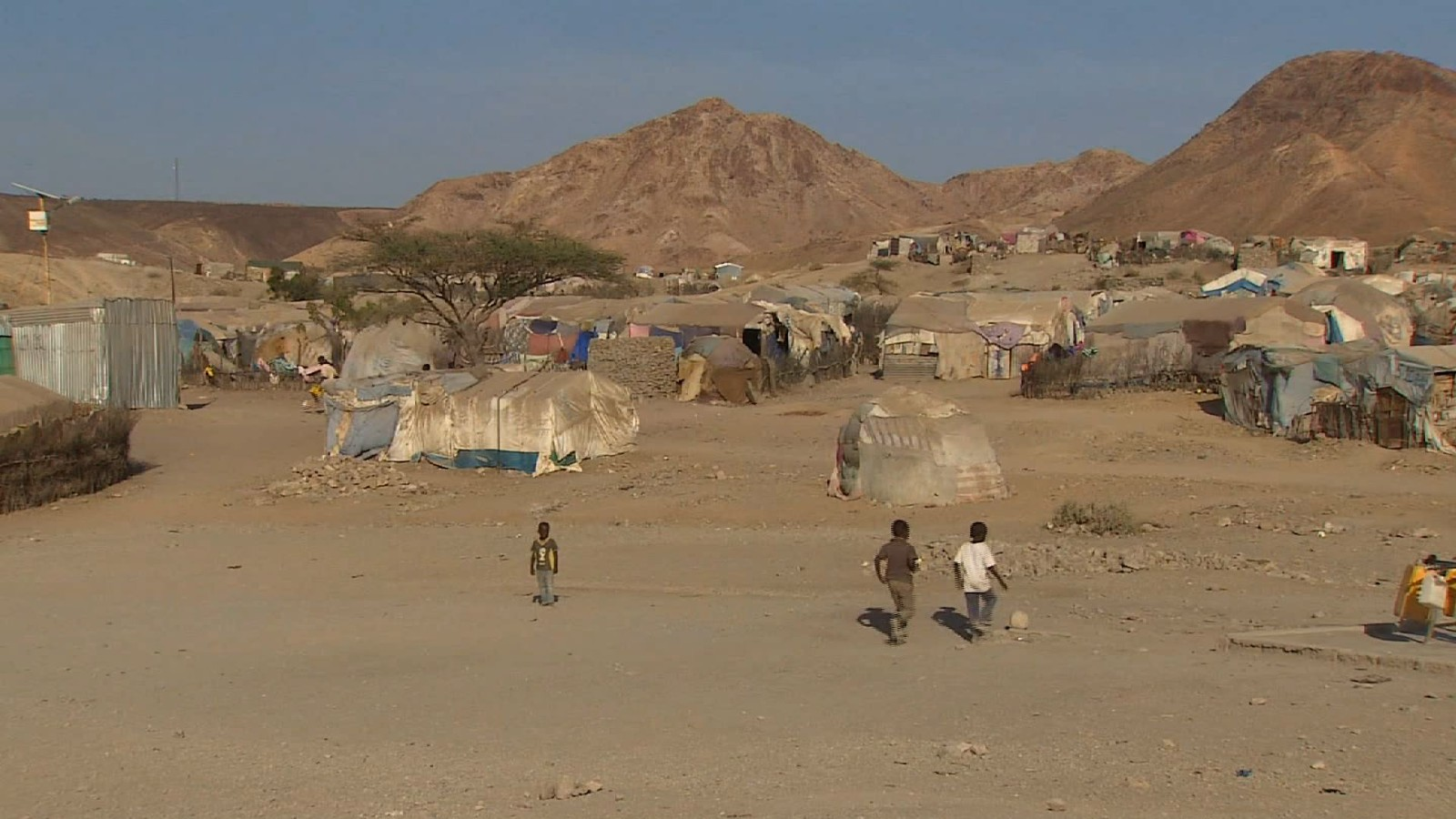Migrants forced to flee Eritrea for uncertain future   CNN 1600x900
