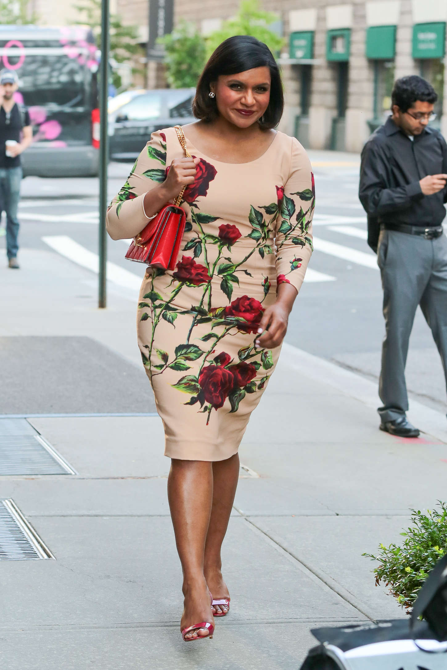 Mindy Kaling in Floral Dress Out in NYC 1450x2173