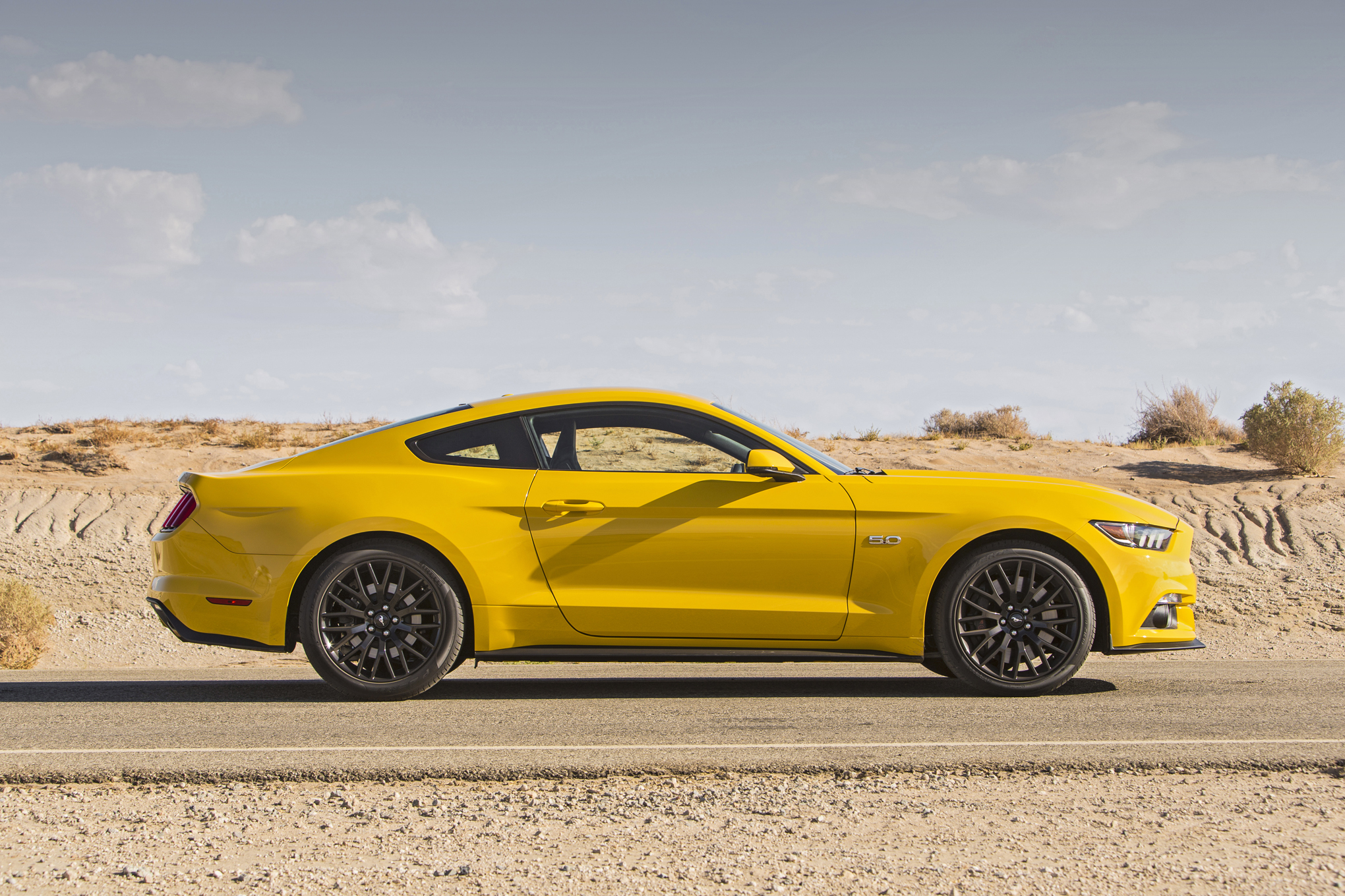 2016 Ford Mustang Shelby GT350 HD Wallpapers 2040x1360