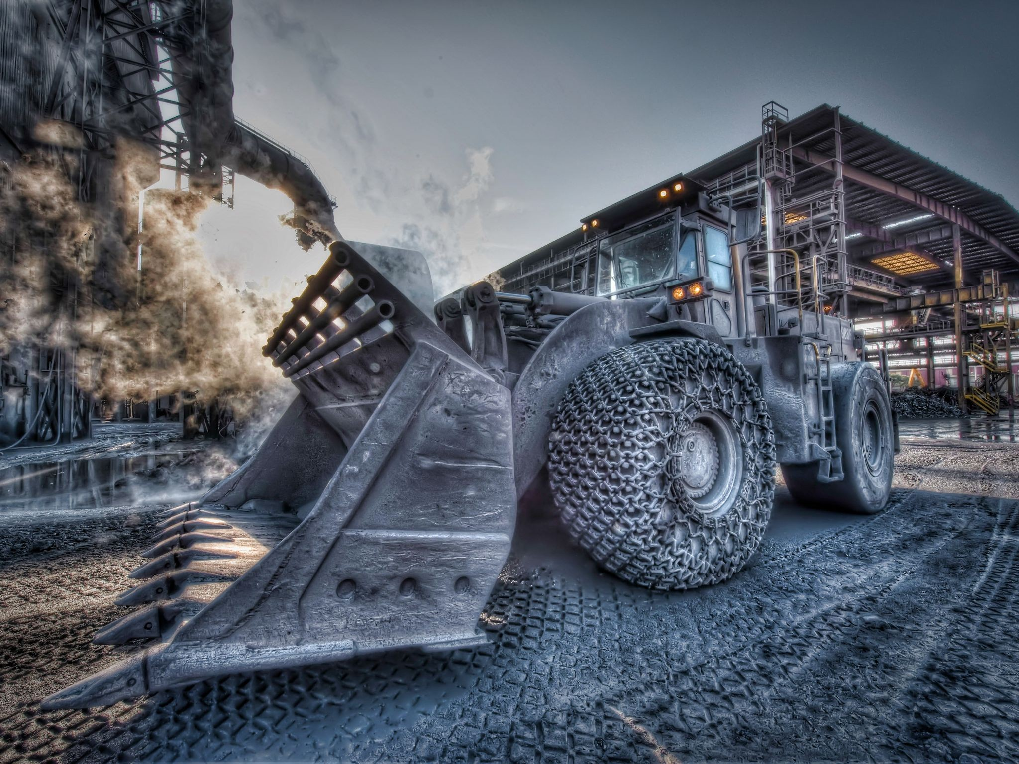 HDR Photography Wallpaper 2048x1536 HDR Photography Caterpillar 2048x1536