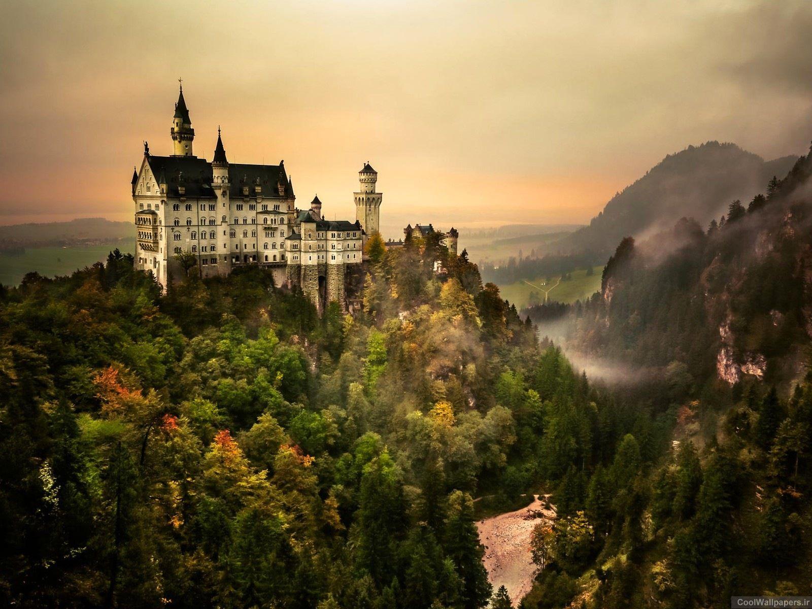 German tour Neuschwanstein castle wallpaper 1600x1200