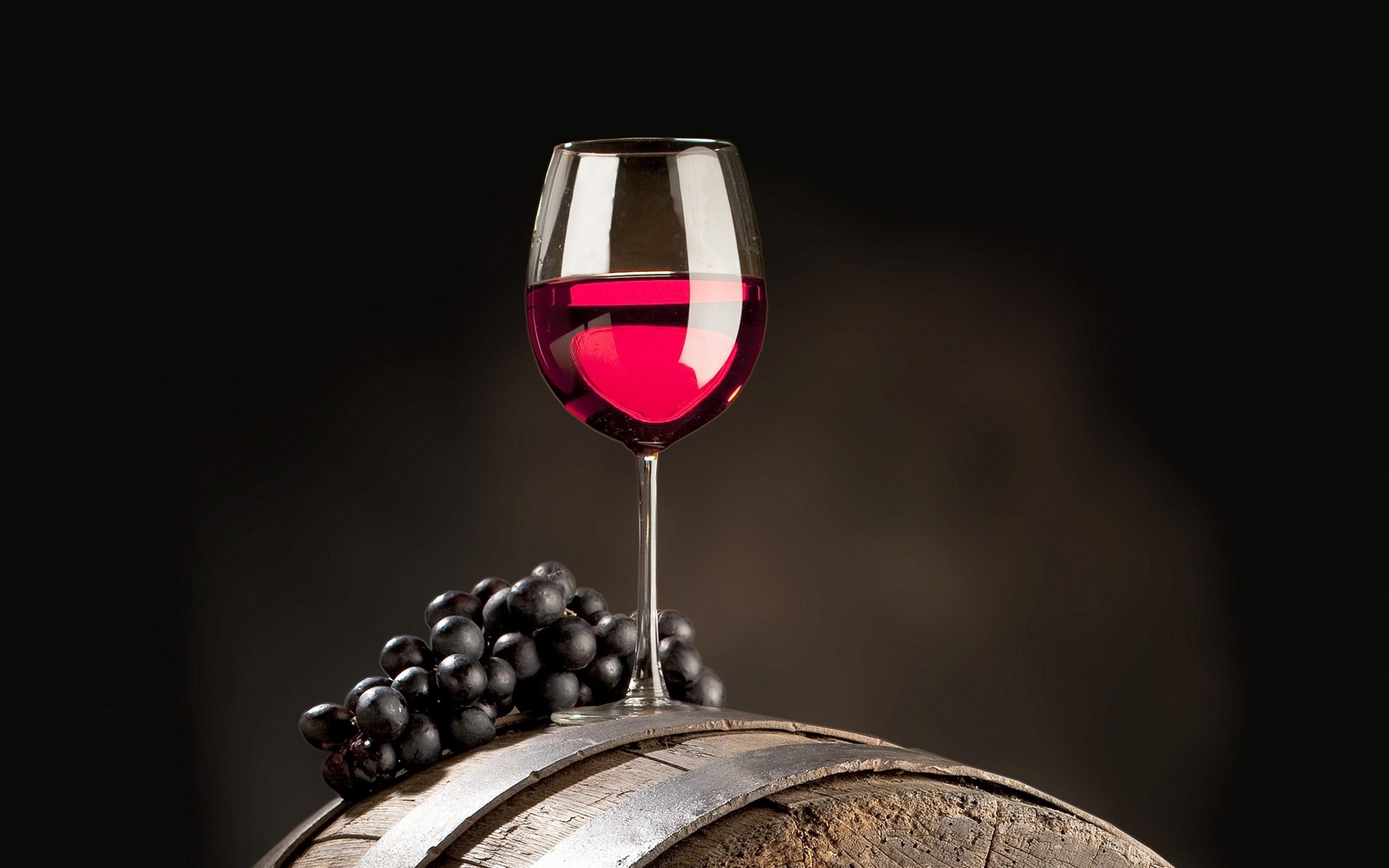 Фото бокалы и вино