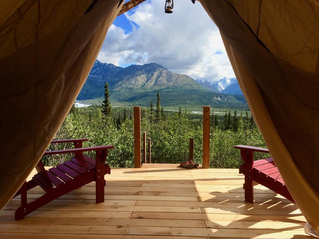 Alpenglow Luxury Camping Glacier View AK   Bookingcom 1024x768