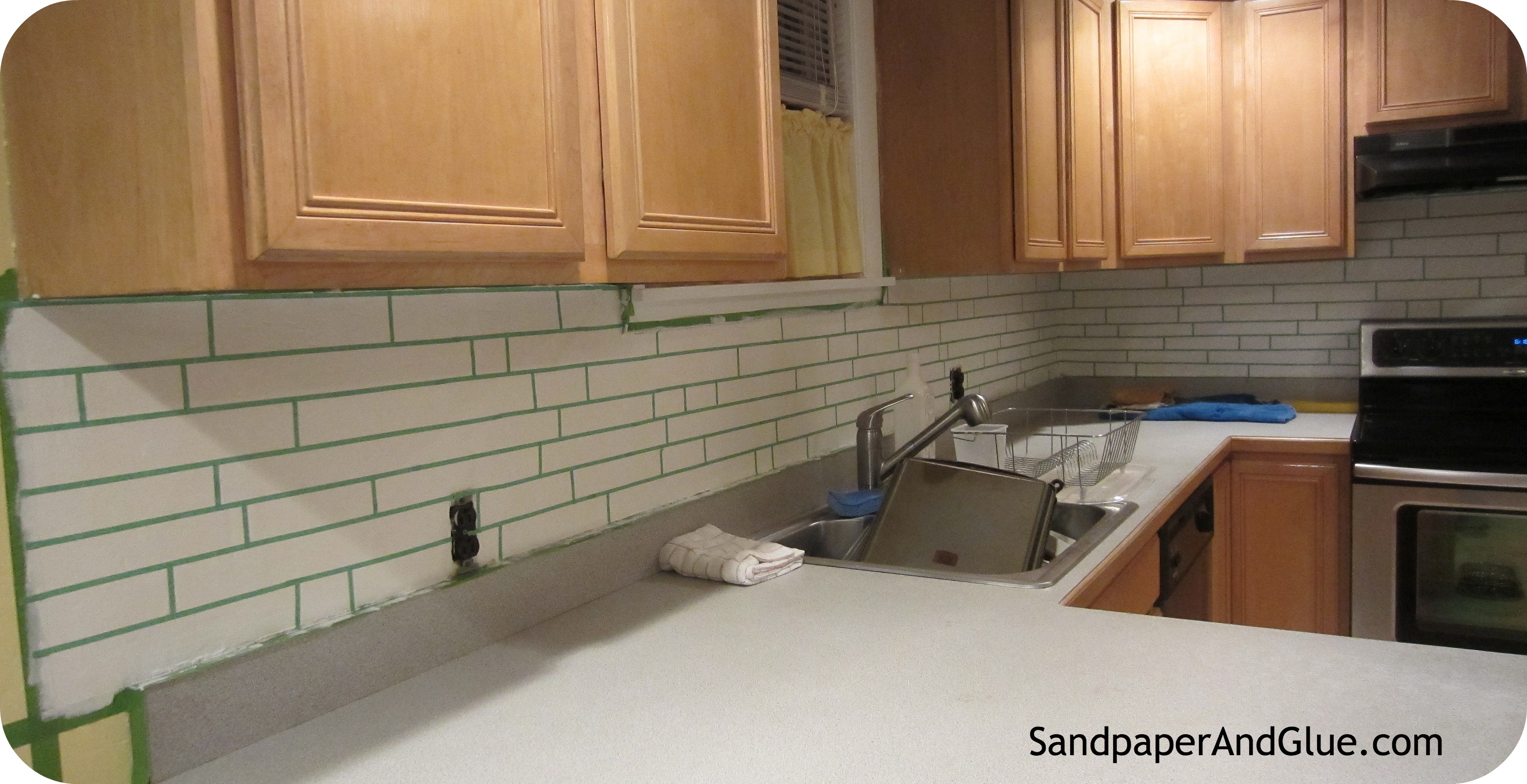 DIY Faux Tile Backsplash Stephanie Marchetti Sandpaper Glue a 3128x1607