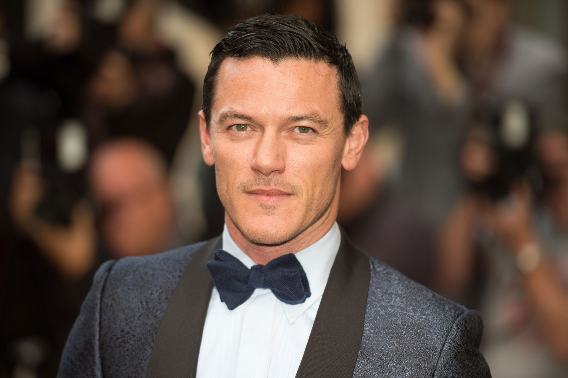 Luke Evans HD Wallpapers Full HD Pictures 1920x1280