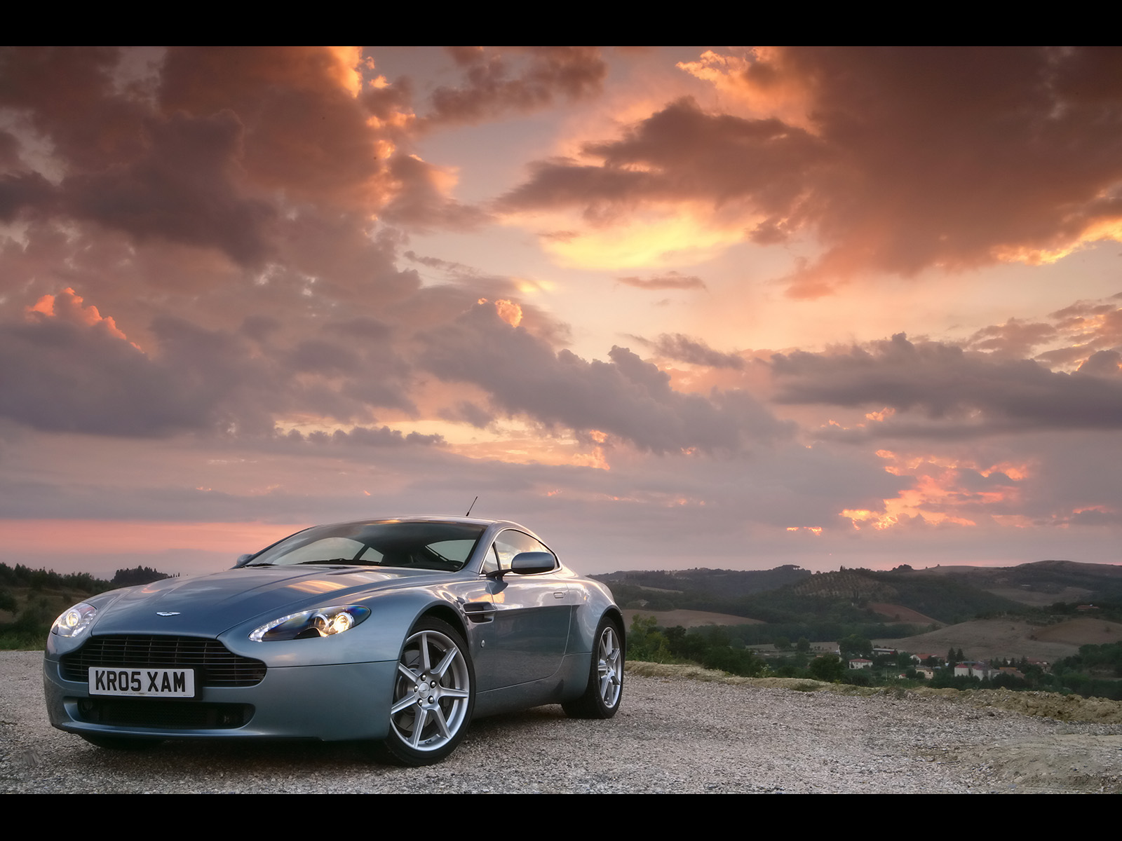 Best Wallpapers Aston Martin Vantage Wallpapers 1600x1200