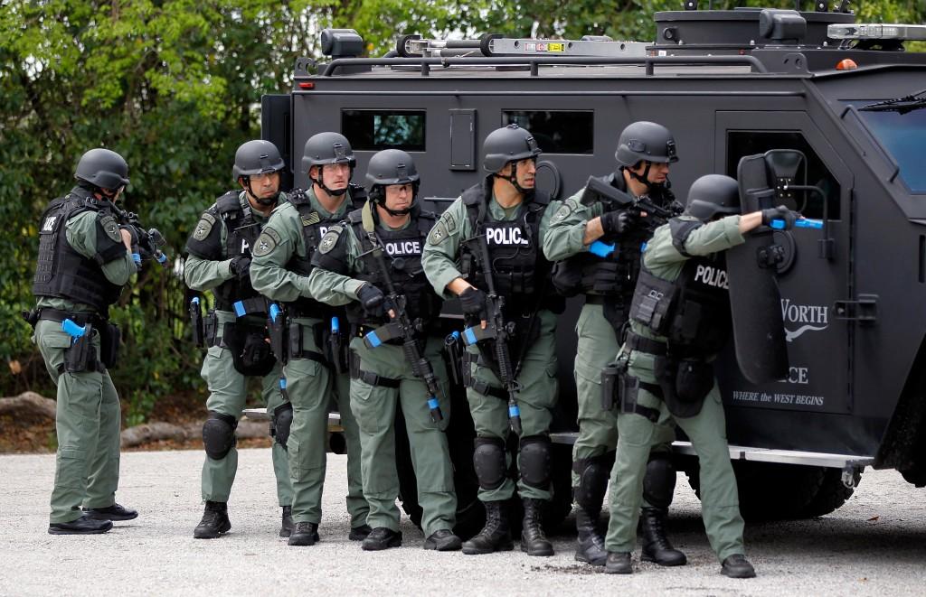 Police Swat Team By fort worth swat team 1024x661