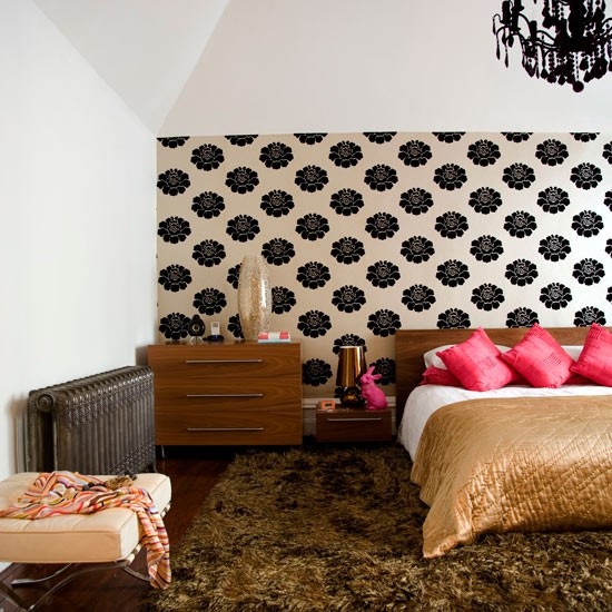 How to use bedroom wallpaper to make a statement 550x550