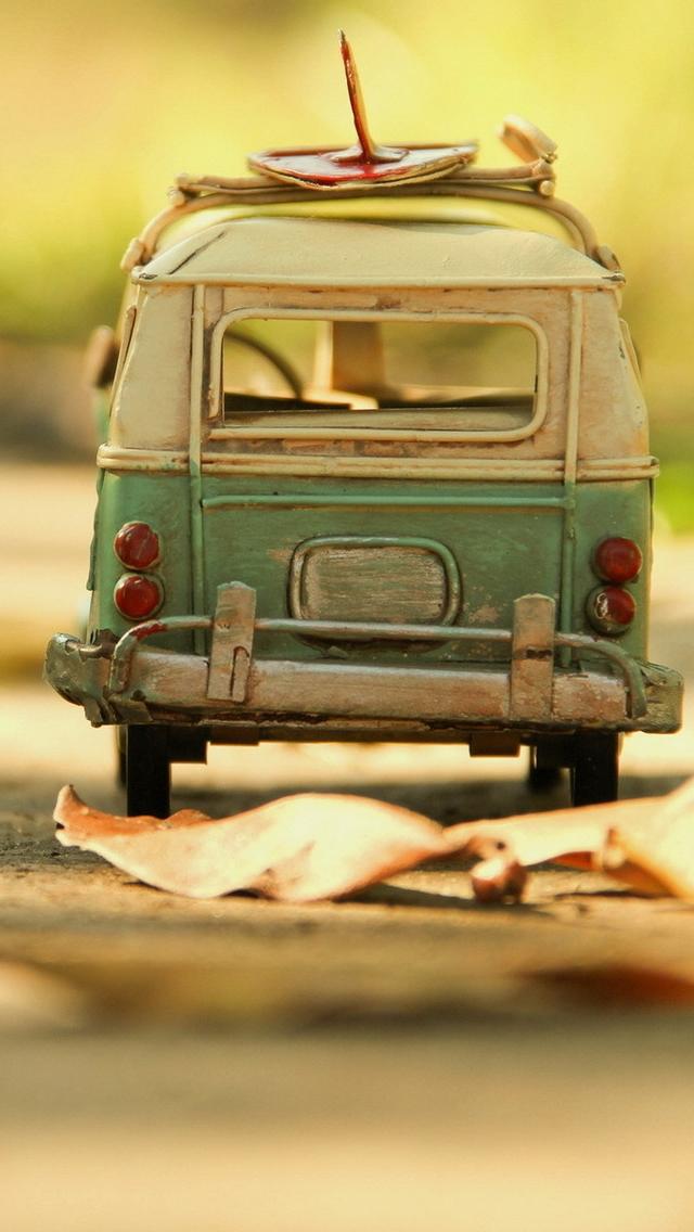 Vintage Volkswagen Toy iPhone 5s Wallpaper Download iPhone 640x1136