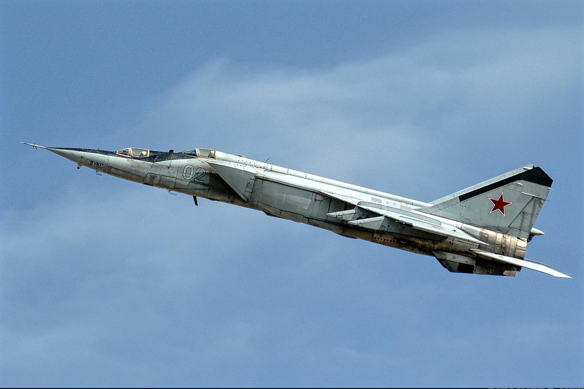 MiG 25 Inflight The Foxbat of Soviet Union 1200x800