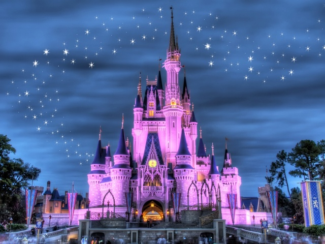Cinderellas castle with fireworks screensaver with 640x480