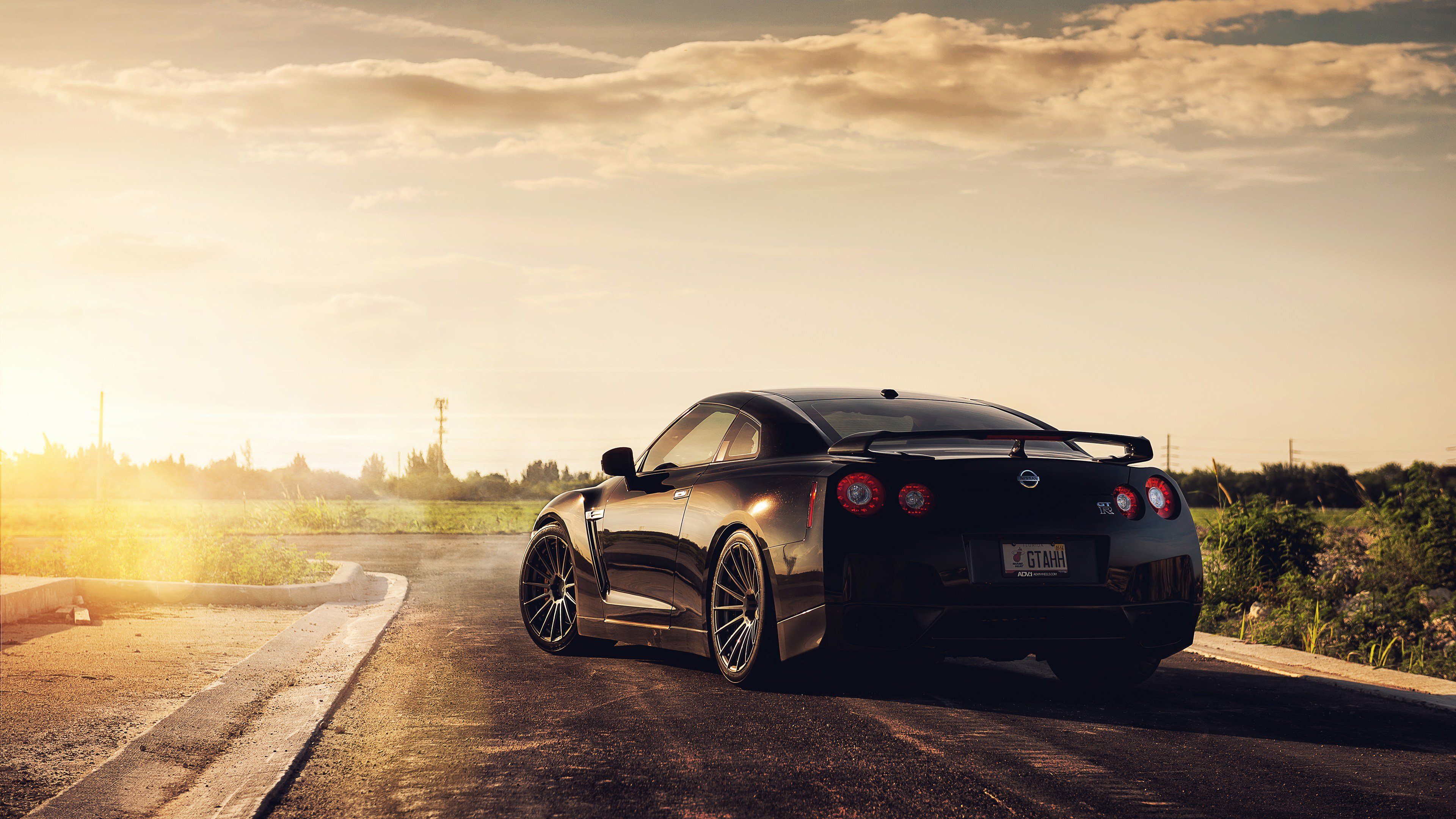 Top 10 Best 4K Ultra HD Cars Wallpapers For Windows 87XP [Download 3840x2160