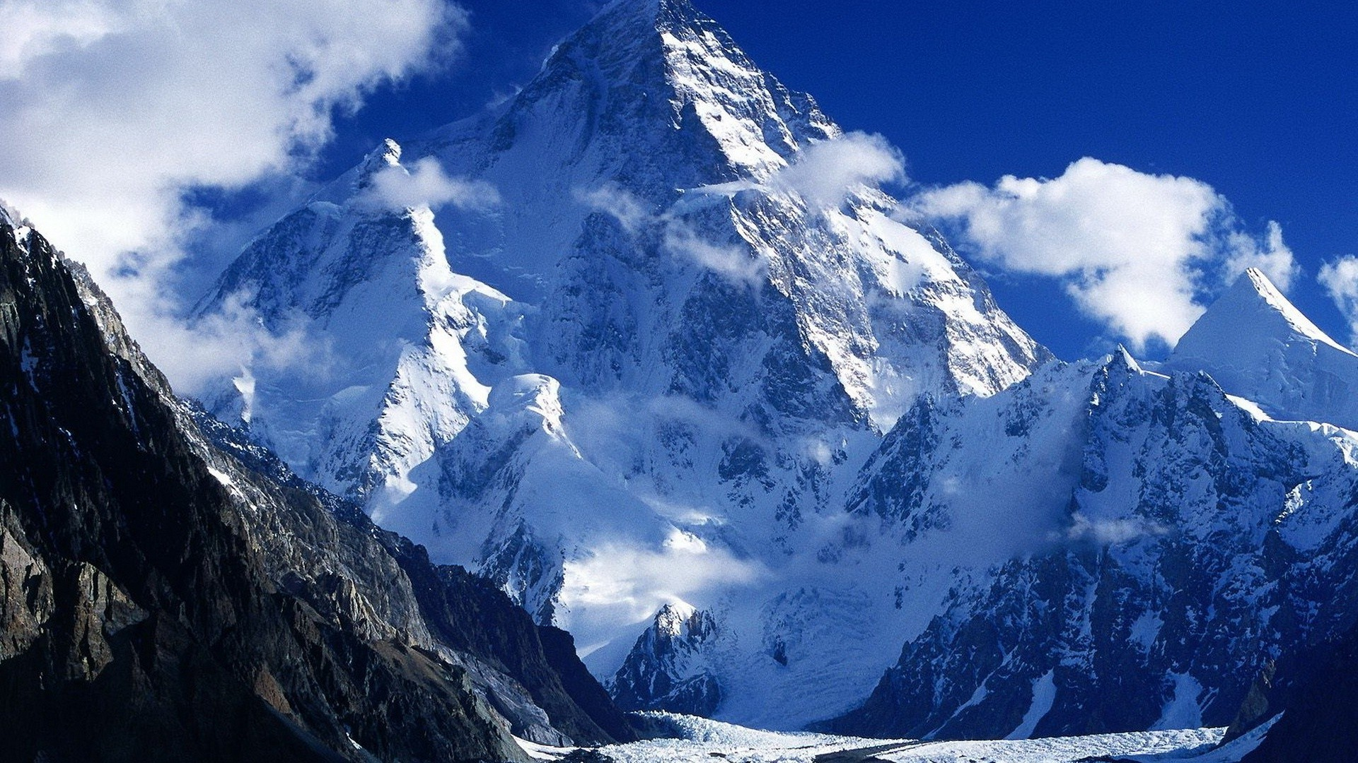 Snowy Background With Mountain: Snowy Mountains Wallpaper